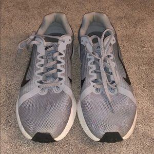 nike running shoes. size 9